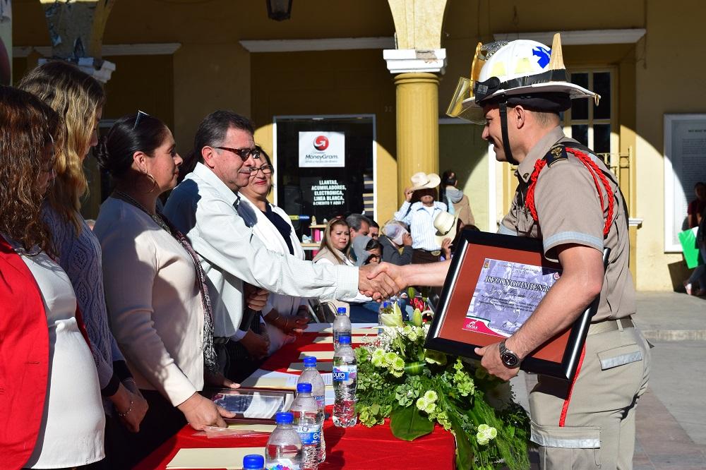 Ayuntamiento de Cocula, reconoce trabajo de bomberos