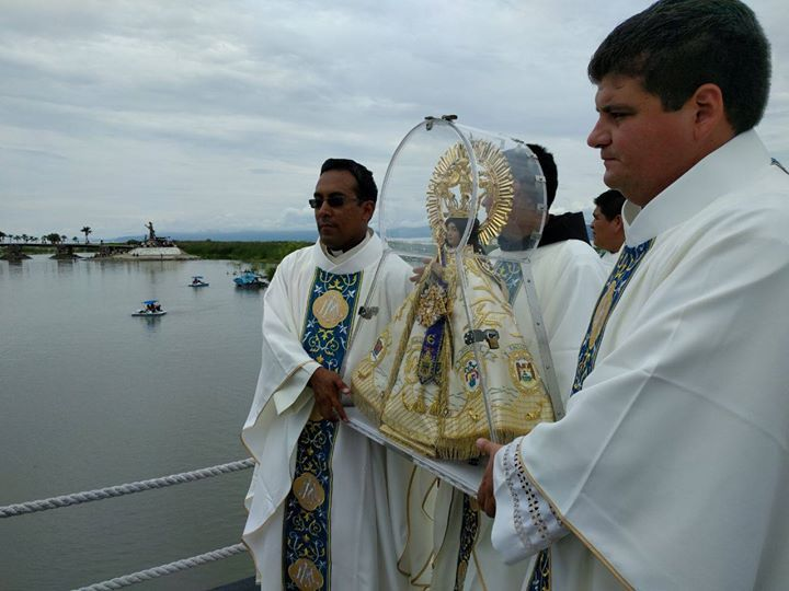 Virgen de Zapopan bendice Lago de Chapala