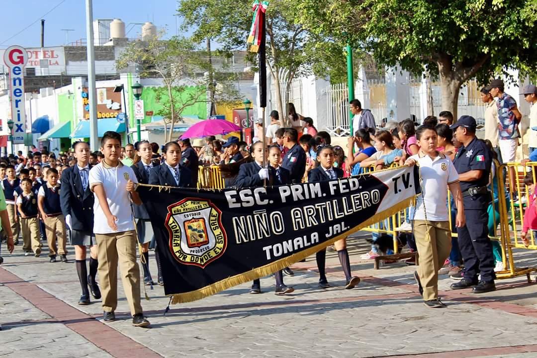 Viven tonaltecas tradicional desfile patrio
