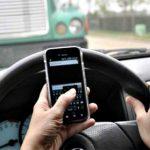 Aumentan multa por usar celular al conducir