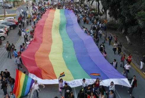 Pareja LGBT logra registrar a hija en Tlaquepaque