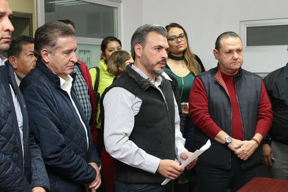 Alarga Oswaldo Bañales sus vacaciones, no se presenta a trabajar y no ha pedido licencia