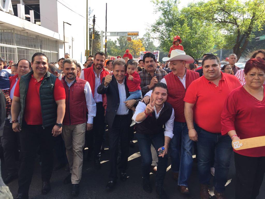 Cobra hijo de Jorge Arana en Congreso de Jalisco