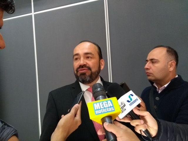 Sergio Chávez cambiaría de partido político; en el PRI no hay acuerdo