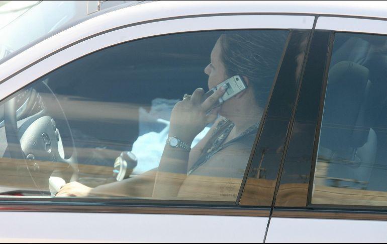 Conductores que manejan y usan el celular son de Tonalá