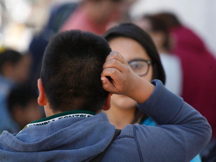 Reportan escuelas 27 brotes de piojos