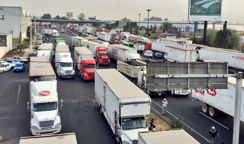 Echan atrás cobro de permiso a transporte pesado en ZMG