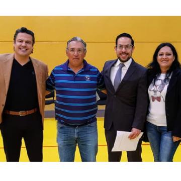 El ex gobernador Aristóteles Sandoval visita la Prepa 7 de la UdeG