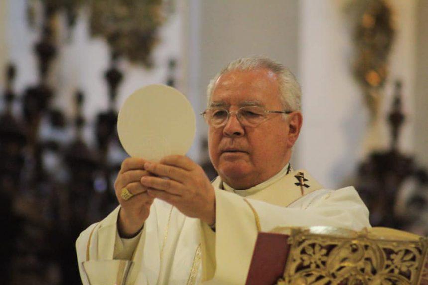 Pide Arzobispo cierre de templos en Jalisco hasta el 30 de mayo