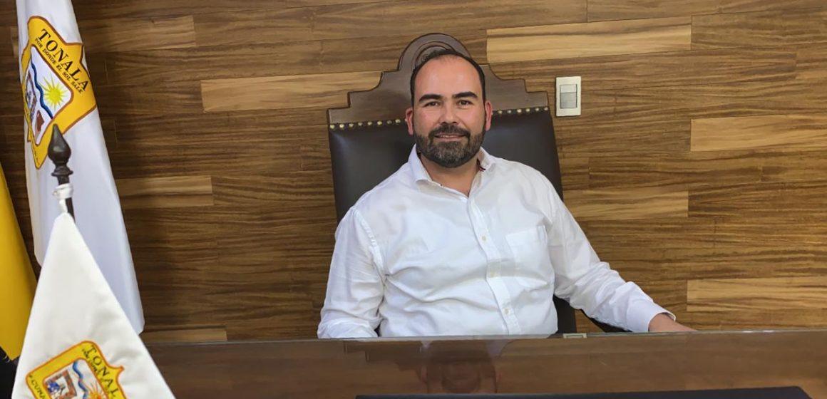 Presidente de Tonalá se disculpa con artesanos; continuará con entrega de apoyos