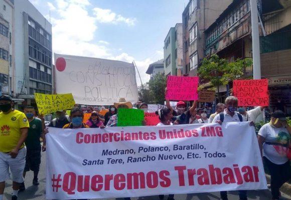 Ceden ante manifestantes, GDL y Zapopan autorizan instalación de tianguis